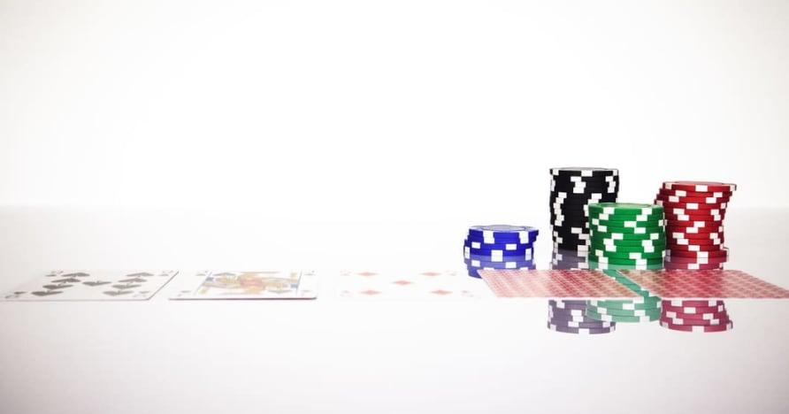 Κατανοήστε τον κανόνα Blackjack Soft 17 στα διαδικτυακά τυχερά παιχνίδια