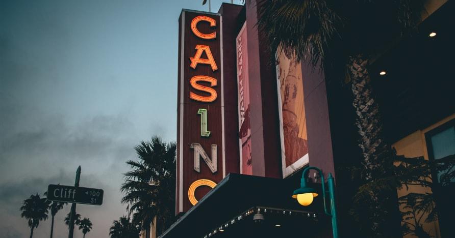 Ζωντανά διαδικτυακά καζίνο Πώς ξεκίνησαν όλα